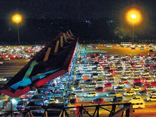 Traffic congestion,Noida authority,Traffic signals