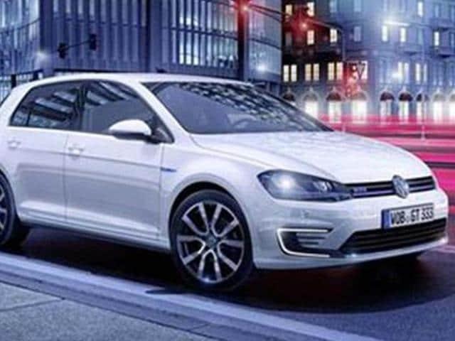 vw,Golf GTE,Volkswagen reveals Golf GTE