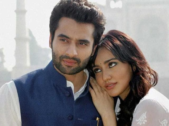Jackky-Bhagnani-and-Neha-Sharma-in-a-still-from-Youngistaan