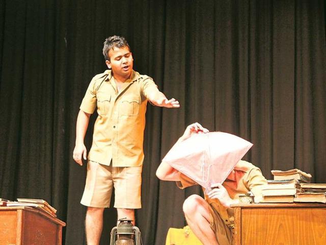 Delhi's Pierrot's Troupe
