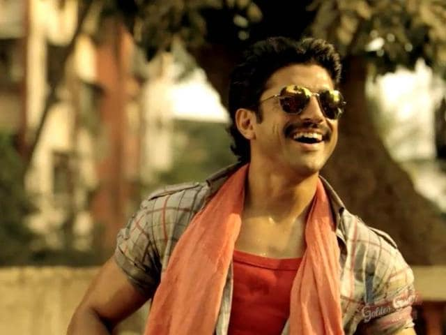 Farhan-Akhtar-as-a-rickshaw-puller-in-Coco-Cola-ad