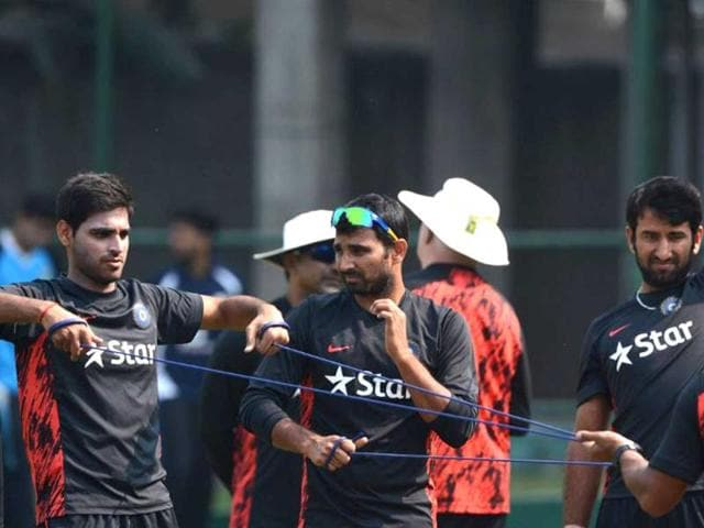 Asia Cup: Rivals India, Pak faceoff in survival fight