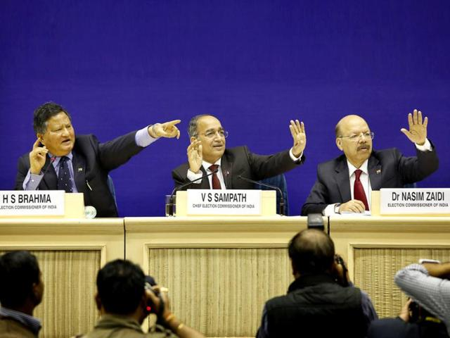 Chief-election-commissioner-VS-Sampath-announces-the-dates-for-the-Lok-Sabha-polls-in-New-Delhi-AP-photo