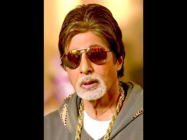 We-like-the-look-Amitabh-Bachchan-the-rap-artist--gets-ready-for-his-act-in-Bhootnath-Returns-