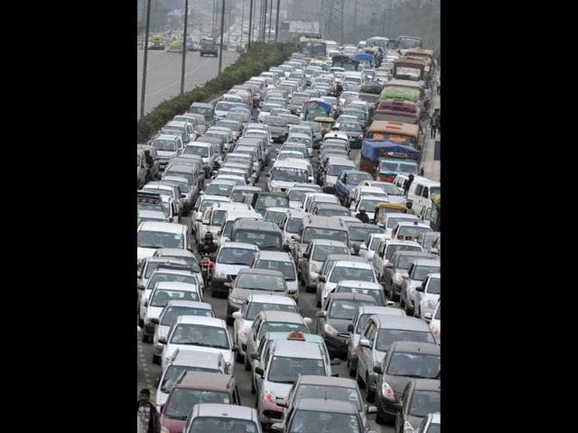 NH-24,delhi traffic,Delhi-UP border
