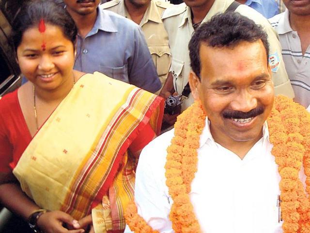 Jharkhand-ex-CM-Madhu-Koda-with-his-wife-and-Jagannathpur-MLA-Geeta-Koda-HT-file-photo