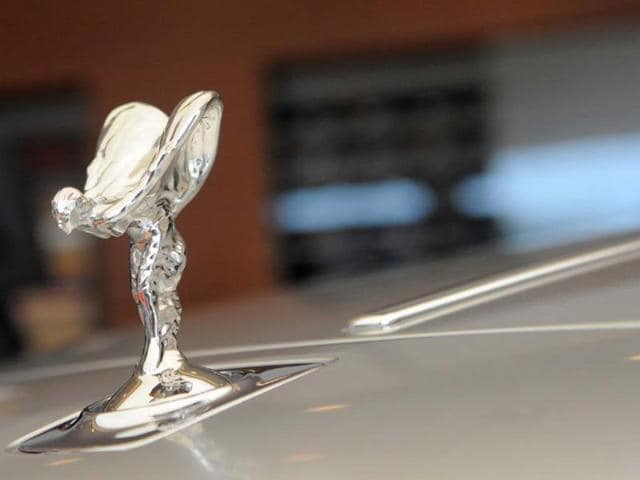 Rolls-Royce-boss-says-that-hybrid-technology-will-be-essential-in-order-to-continue-using-V12-engines-Photo-AFP