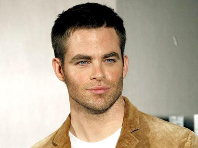 Chris Pine,Stra Trek,arrested