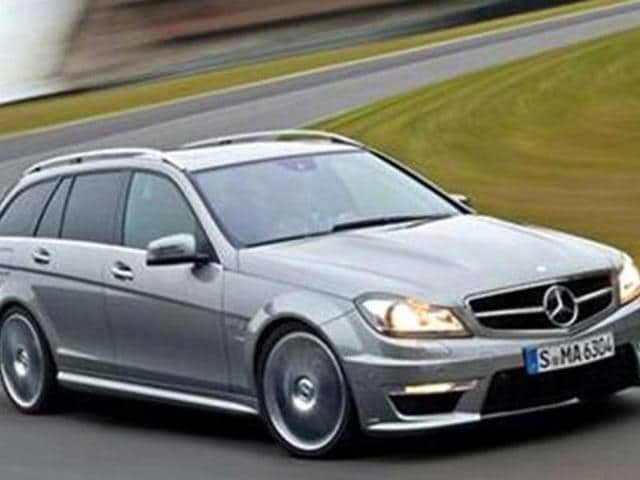 Next-C63-AMG-estate-from-Mercedes-to-get-new-480bhp-V8