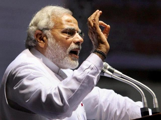BJP-s-PM-candidate-Narendra-Modi-addresses-a-lawyers-meeting-in-new-Delhi-HT-photo