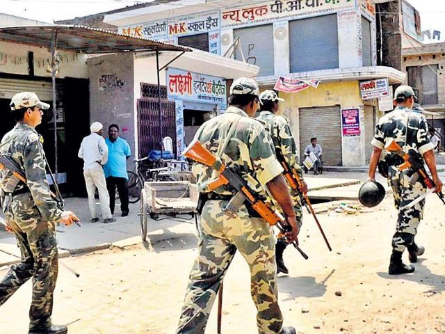 Security-personnel-keep-vigil-in-the-violence-hit-areas-of-Muzaffarnagar-HT-file-photo