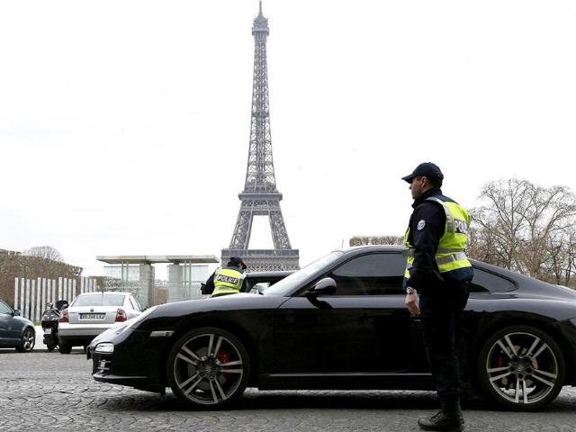 Police-officers-control-cars-in-front-of-the-Eiffel-Tower-in-Paris-AFP-Photo