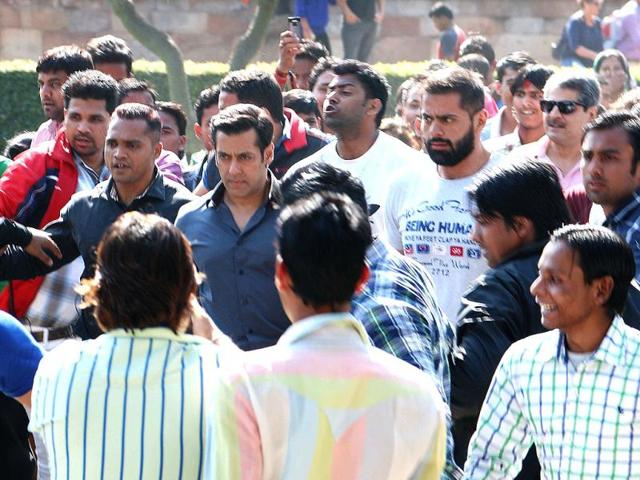 Salman Khan spotted in Delhi, shooting for Sajid Nadiadwala