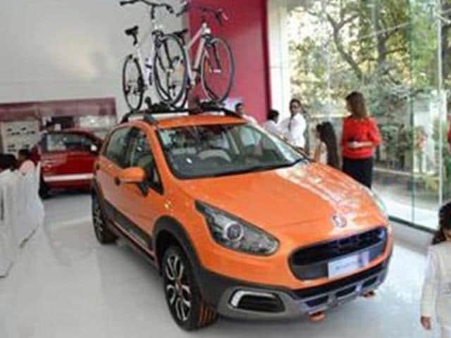 fiat,Fiat displays Avventura and Abarth 500 in Mumbai,Punto-based Avventura concept