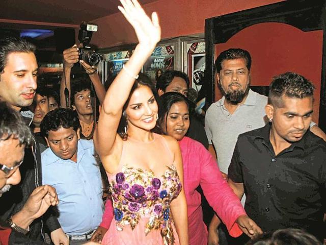 Ragini MMS 2,Sunny Leone,Hanuman Chalisa