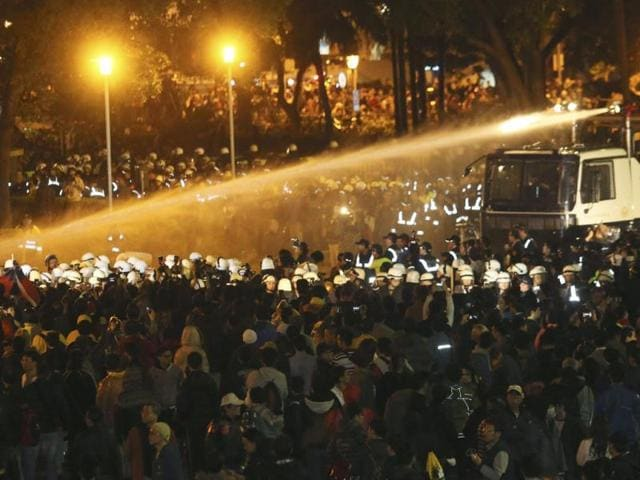Taiwan-Police-use-water-cannons-to-disperse-demonstrators-as-they-protest-against-a-trade-pact-with-mainland-China-Reuters-Photo