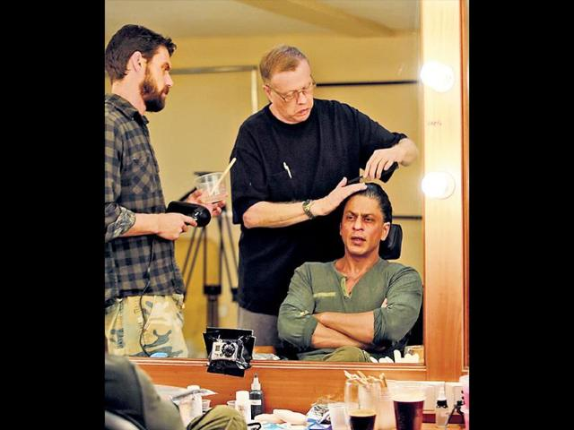 Shah-Rukh-Khan-is-getting-help-from-international-experts-to-get-into-the-skin-of-his-new-character