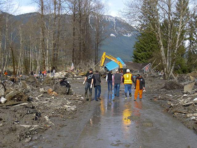 mudslides,USA,construction workers