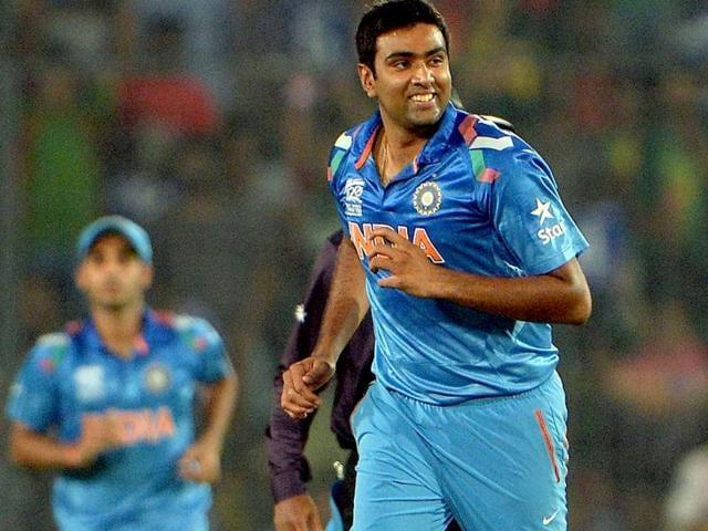 World T20: Yuvi, Ashwin help India destroy Australia, win