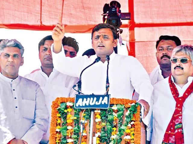Uttar-Pradesh-chief-minister-Akhilesh-Yadav-addressing-an-election-rally-in-Ghaziabad-on-Sunday-Sakib-Ali-HT-photo
