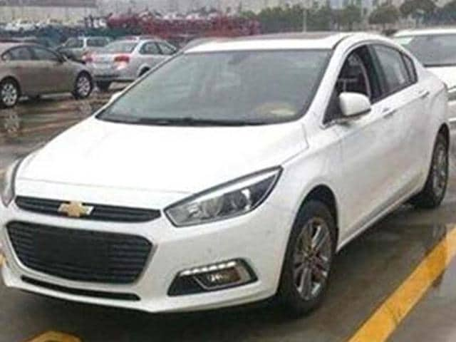 Chevrolet-s-new-Cruze-spied-in-China