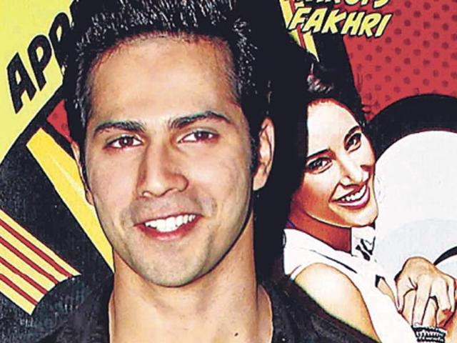 Hero-of-the-moment-Varun-Dhawan-at-the-success-bash