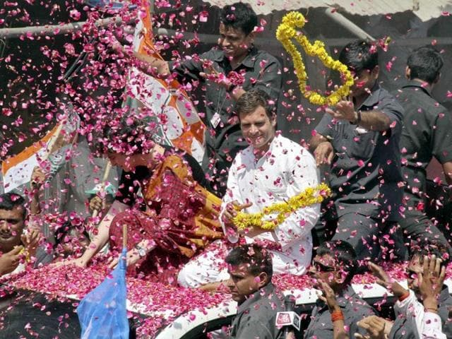 Congress-vice-president-Rahul-Gandhi-and-his-sister-Priyanka-Gandhi-Vadra-are-showered-with-rose-petals-by-their-supporters-upon-his-arrival-in-Amethi-to-file-his-nomination-for-the-general-election-Reuters-photo