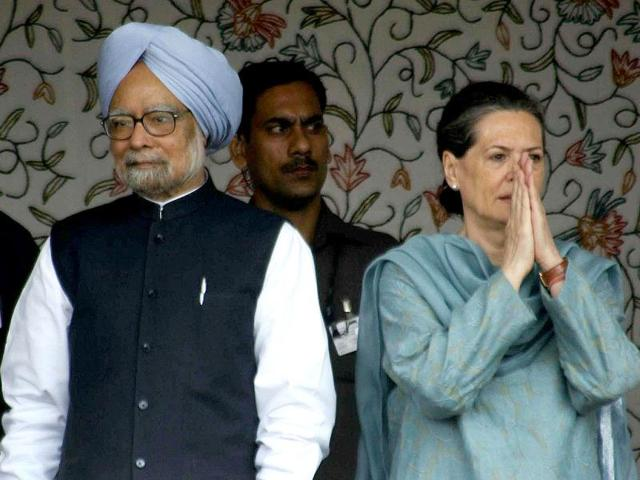 Prime-Minister-Manmohan-Singh-looks-on-as-Congress-Party-President-Sonia-Gandhi-gestures-during-the-foundation-stone-lying-ceremony-of-hydro-power-project-in-Kishtwar-Jammu-AFP-Photo-Files