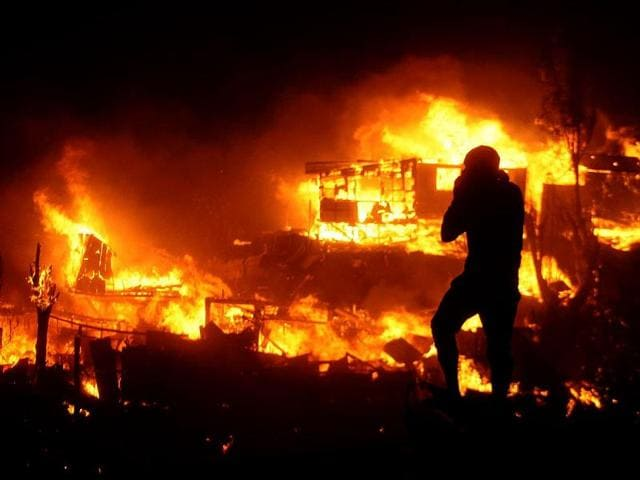 Homes-are-destroyed-as-a-large-forest-fire-reaches-urban-areas-in-Valparaiso-Chile-AP-Photo