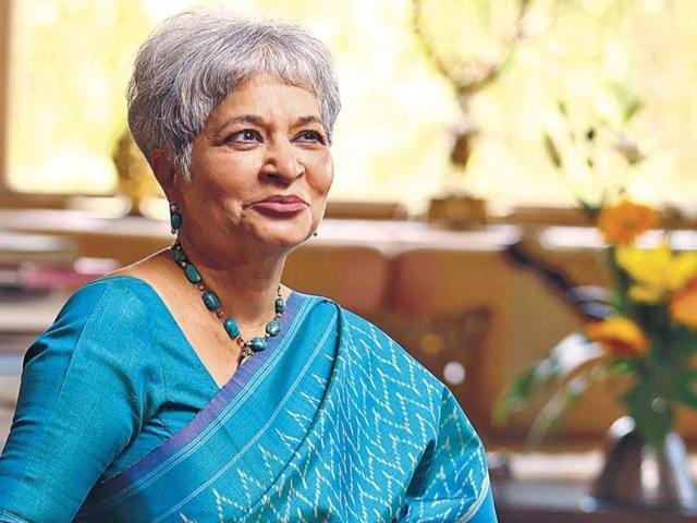 Laila Tyabji: The champion and guardian of Indian craft, Laila Tyabji, who is also a designer and social activist represents homegrown fashion at its best. Known for her signature short salt and pepper hair, Tyabji is usually seen donning beautiful handwoven drapes. (HT Photo)