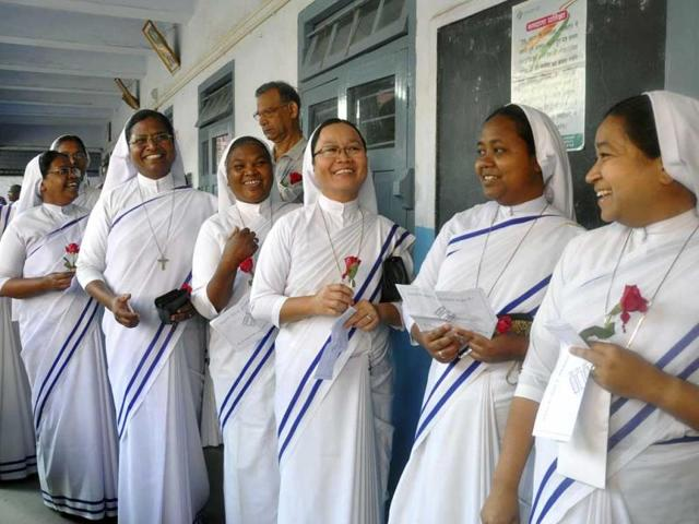 Catholic-nuns-stand-in-a-queue-to-cast-their-votes-in-Ranchi-AP-Photo