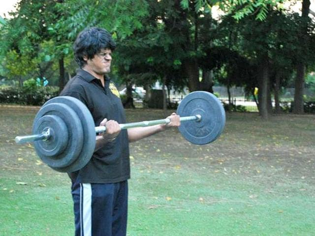Tejas-Jaishankar-trains-in-a-neighbourhood-park-He-survived-an-accident-to-win-the-India-s-Strongest-Man-title-