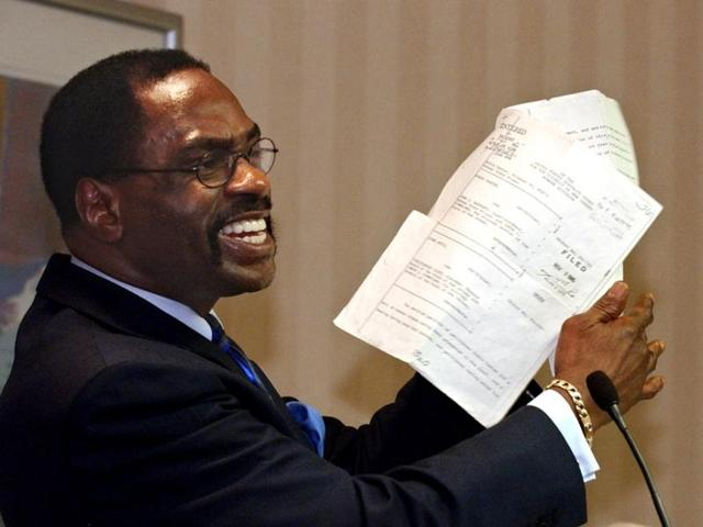 Former-boxer-Rubin-Hurricane-Carter-in-January-2009-with-the-writ-of-habeas-corpus-that-freed-him-from-prison-Carter-died-on-April-20-at-76-AP-Photo