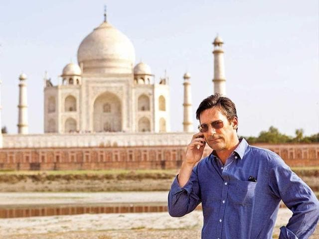American-actor-Jon-Hamm-of-Mad-Men-fame-who-was-in-India-last-year-to-shoot-his-upcoming-film-Million-Dollar-Arm-now-shares-that-it-was-an-shy-amazing-shy-experience-that-he-still-can-t-get-over