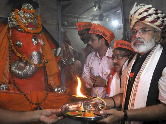 Seema pe jawan,Khet mein kisan,Narendra Modi