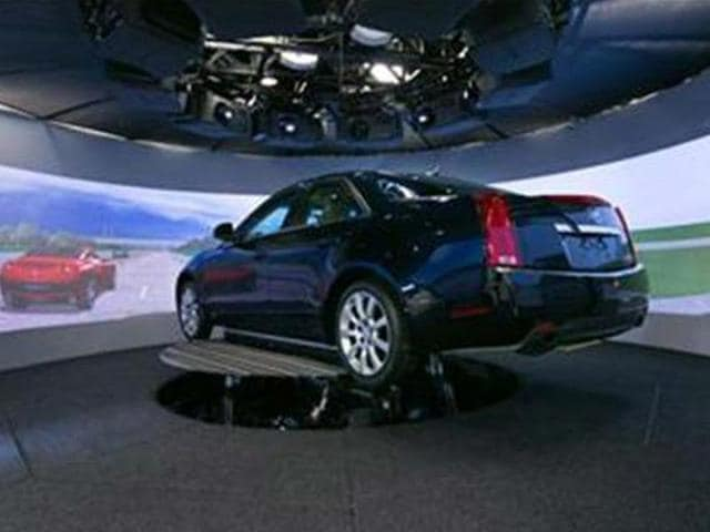 GM-s-driving-simulator-puts-Super-Cruise-to-the-test