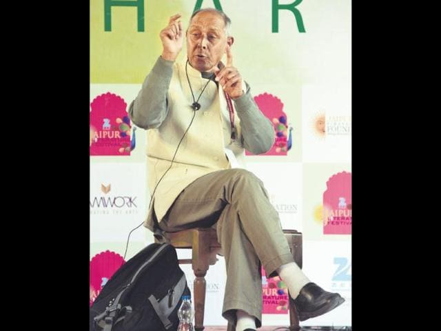 Shekhar-Pathak-is-a-compelling-speaker-in-Hindi-the-wit-and-the-eloquence-leavened-with-a-solid-core-of-historical-and-geographical-knowledge-HT-Photo