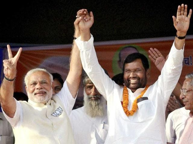Narendra Modi and LJP chief Ram Vilas Paswan during an election campaign rally in Hajipur. (PTI Photo)
