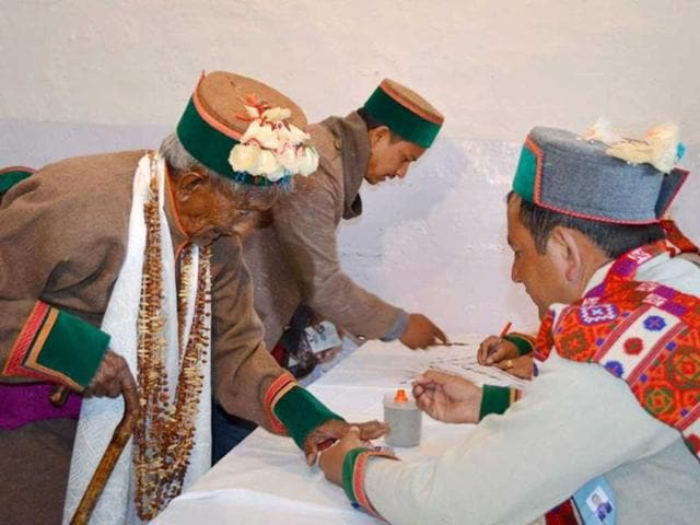 Ninety-seven-year-old-Shyam-Saran-Negi-a-retired-schoolteacher-who-cast-the-first-vote-in-the-1951-general-election-arrives-to-cast-his-vote-at-Kalpa-in-Kinnaur-district-of-Himachal-Pradesh-PTI-Photo