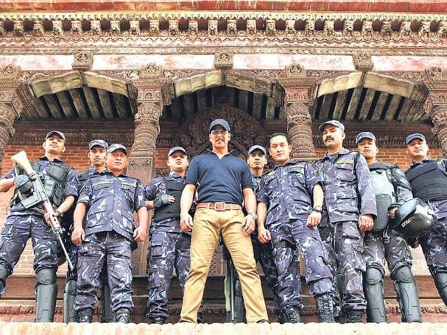 Akshay-Kumar-with-his-security-in-Nepal-HT-Photos