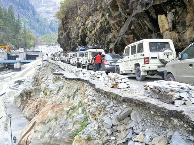 The-risk-of-landslides-will-always-remain-on-the-hill-routes-of-the-Kedarnath-yatra-believe-experts-HT-File-Photo