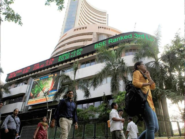 Sensex rises over 1 percent, posts first weekly gain in four