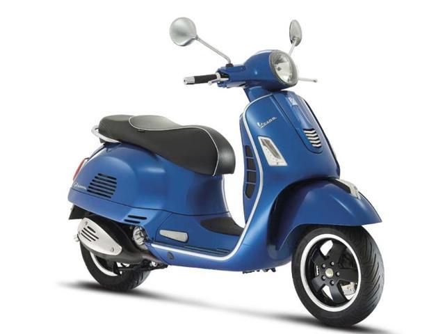 The-Vespa-GTS-300-i-e-Super-is-compatible-with-the-Vespa-Multimedia-Platform-smartphone-app-Photo-AFP
