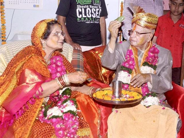 Veteran-Congress-leader-and-former-Andhra-Pradesh-Governor-ND-Tiwari-88-gets-married-to-Ujjwala-Sharma-mother-of-his-biological-son-Rohit-Shekhar-at-a-simple-ceremony-at-his-residence-in-Lucknow-PTI-Photo