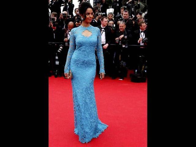 Mallika-Sherawat-at-Cannes-Film-Festival-
