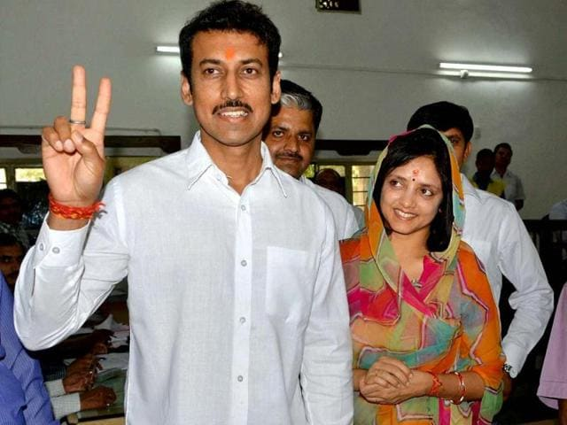 Rajyavardhan-Singh-Rathore-shows-his-inked-finger-after-he-cast-his-vote-on-Thursday-HT-Photo