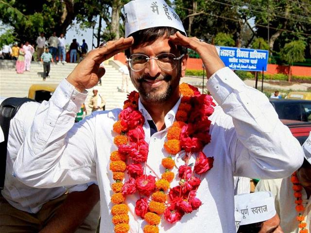 LOST: Bollywood actor and AAP party candidate Jaaved Jaaferi during an election campaign rally in Lucknow. (PTI)