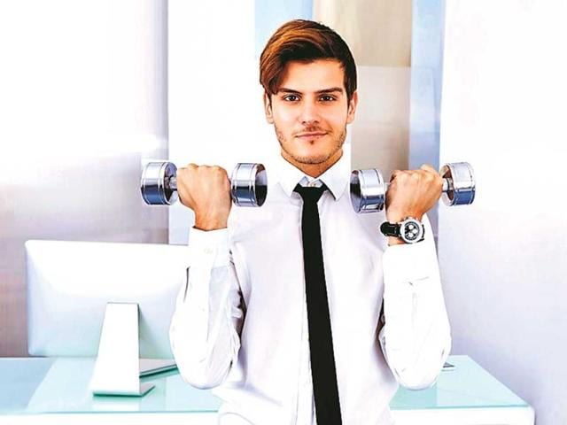 A-man-working-out-in-office-during-lunch-break-to-stay-fit-Photo-courtesy-Thinkstock
