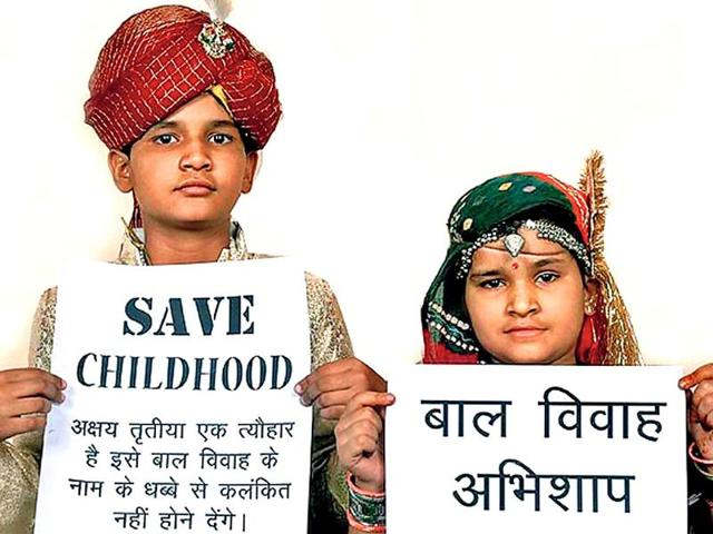 School-children-display-slogans-to-stop-child-marriage-HT-File-Photo
