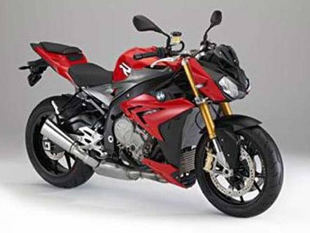 BMW-launches-S1000R-in-India